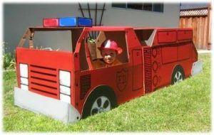 lavoretti col cartone: un camion dei pompieri
