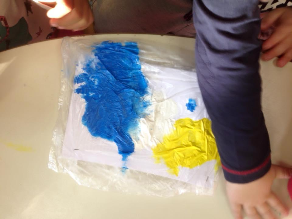 Sperimentare: I colori nel sacchetto