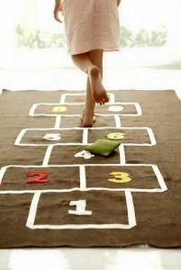 Giochi di equilibrio e abilità i bambini ne inventano a bizzeffe