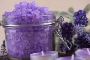 Bagno Rilassante In Casa : Come fare i sali da bagno in casa idee per un bagno rilassante e